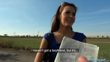 Cuki 18 éves csajszi pénzért kefél egy idegennel