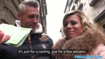 Magyar milf feleség pénzért baszik a kamuügynökkel