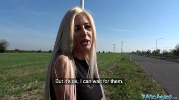 Román utcalány akcióban