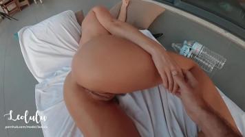 Elkapott masztizás közben - Amatőr pár intím szexvideója a teraszon