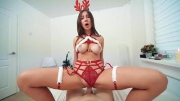 18 éves tini szépség orgazmust és spermát kapott karira!
