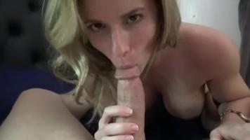 Családi pornó videó szexi anyukával - Anya-fia titkos afférja