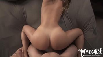 Reggeli szenvedélyes szex és beleélvezés az amatőr barátnőbe